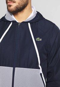 Lacoste Sport - TRACKSUIT HOODED - Survêtement - navy blue/white - 9