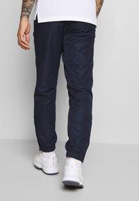 Lacoste Sport - TRACKSUIT HOODED - Survêtement - navy blue/white - 4