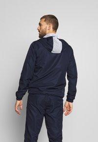 Lacoste Sport - TRACKSUIT HOODED - Survêtement - navy blue/white - 5