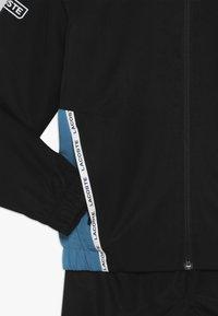 Lacoste Sport - TRACKSUIT - Träningsset - black/sumatra white - 4