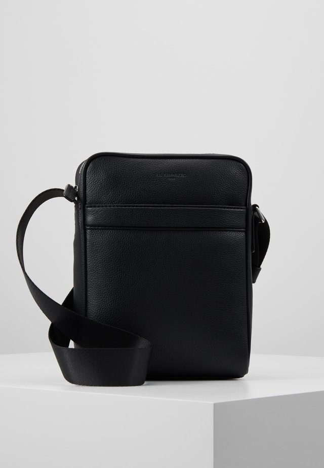 MEDIUM CROSS BODY BAG - Axelremsväska - noir