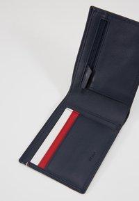 Le Tanneur - MARTIN SET - Wallet - bleu/rouge/blanc - 5