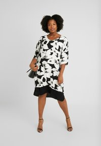 Live Unlimited London - FLORAL SPUN DRESS - Kjole - black - 2