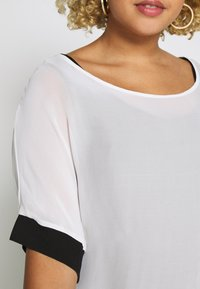 Live Unlimited London - MONO BLOUSE WITH CUFF - Blouse - white - 5