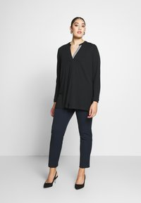 Live Unlimited London - FRENCH CREPE BLOUSE - Long sleeved top - black - 1