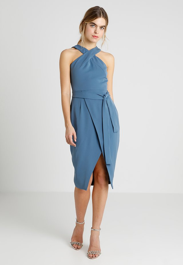HALTER NECK WRAP FRONT MIDI DRESS - Etui-jurk - dusty blue