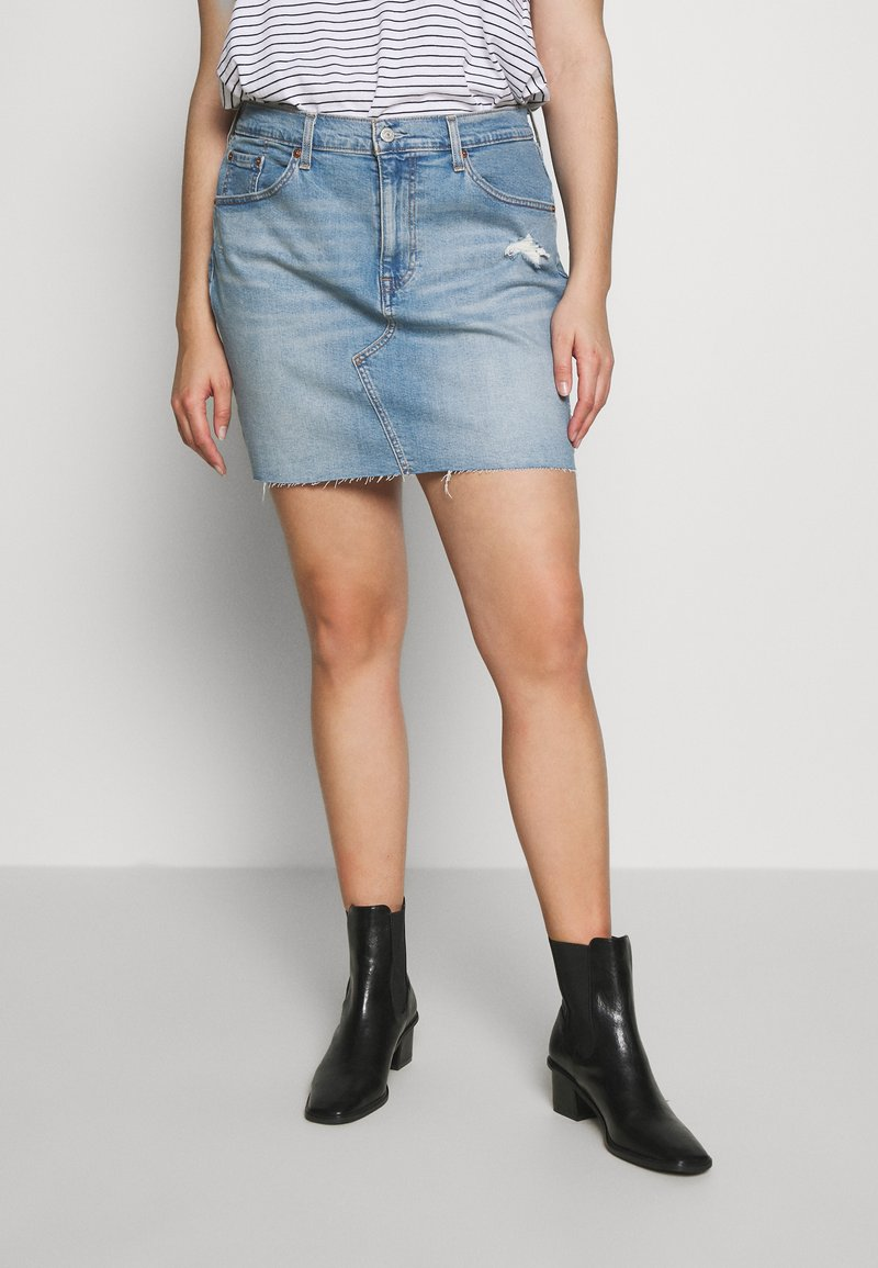 Levi's® Plus - DECONSTRUCTED SKIRT - Denim skirt - light-blue denim