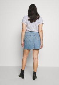 Levi's® Plus - DECONSTRUCTED SKIRT - Denim skirt - light-blue denim - 2
