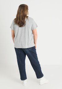 Levi's® Plus - PERFECT TEE  - T-shirt imprimé - housemark smokestack heather - 2