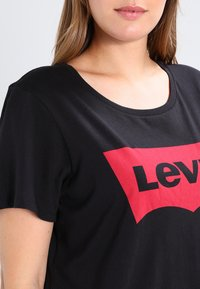 Levi's® Plus - PERFECT TEE  - Printtipaita - plus batwing jet black - 3