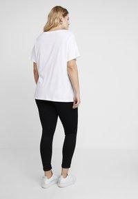 Levi's® Plus - PERFECT TEE - T-shirt print - white - 2