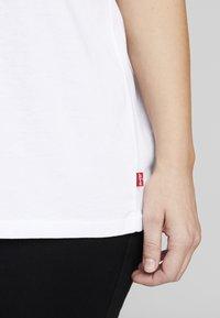 Levi's® Plus - PERFECT TEE - T-shirt print - white - 5