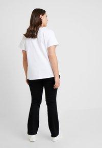 Levi's® Plus - FLORENCE TEE - T-shirt imprimé - white - 2