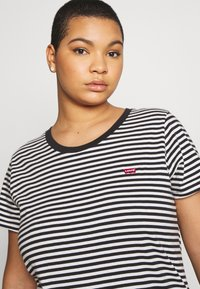 Levi's® Plus - PERFECT CREW - T-shirt print - raita caviar - 3