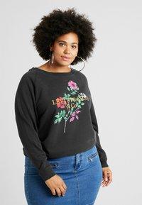 Levi's® Plus - RELAXED GRAPHIC CREW - Sweatshirt - pl corporate logo floral crew meteorite - 0
