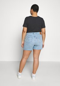 Levi's® Plus - PL 501® ORIGINAL SHORT - Jeansshorts - light-blue denim - 2