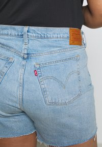 Levi's® Plus - PL 501® ORIGINAL SHORT - Jeansshorts - light-blue denim - 4