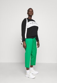 Lauren Ralph Lauren Woman - LYCETTE PANT - Pantalon classique - hedge green - 1