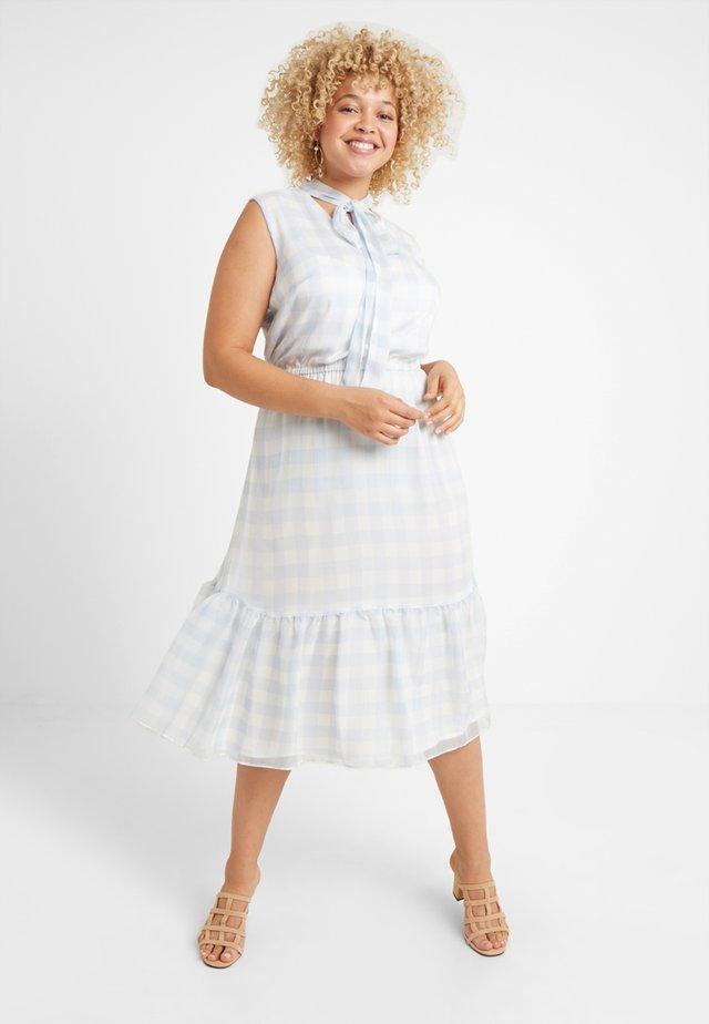 KANDILLA SLEEVELESS CASUAL DRESS - Denní šaty - white/english blue