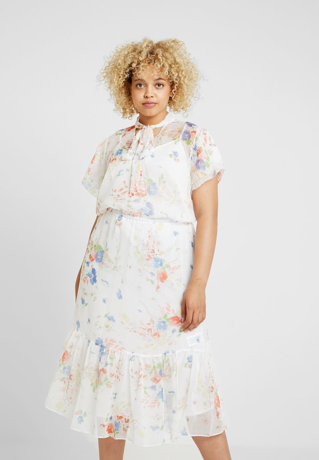 SLEEVE CASUAL DRESS - Cocktail dress / Party dress - white/multi