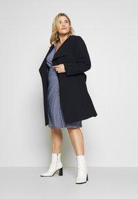 Lauren Ralph Lauren Woman - CASONDRA LONG SLEEVE DAY DRESS - Vestido de tubo - parisian blue/colonial cream - 1