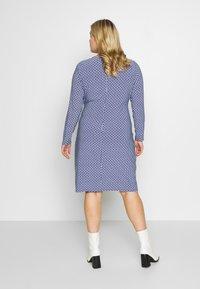 Lauren Ralph Lauren Woman - CASONDRA LONG SLEEVE DAY DRESS - Vestido de tubo - parisian blue/colonial cream - 2