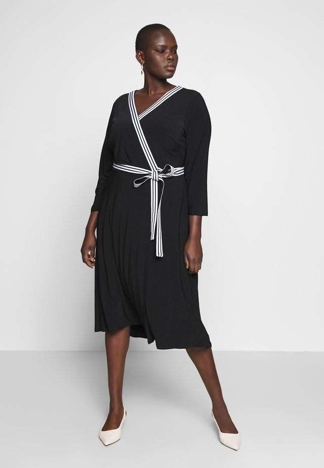 BENNETT DAY DRESS - Kotelomekko - black