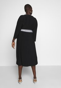 Lauren Ralph Lauren Woman - BENNETT DAY DRESS - Robe fourreau - black - 2