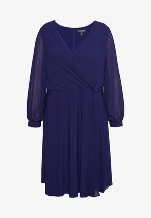 COOPER LONG SLEEVE DAY DRESS - Pouzdrové šaty - cannes blue