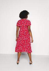 Lauren Ralph Lauren Woman - CHRISSY SHORT SLEEVE DAY DRESS - Žerzejové šaty - persimmon/charcoal/cream - 2