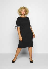 Lauren Ralph Lauren Woman - BRANDEIS ELBOW SLEEVE CASUAL DRESS - Robe fourreau - black - 0