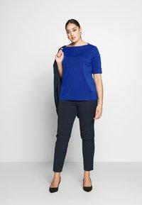 Lauren Ralph Lauren Woman - JUDY ELBOW SLEEVE - Print T-shirt - blue glacier - 1