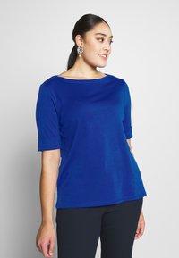 Lauren Ralph Lauren Woman - JUDY ELBOW SLEEVE - Print T-shirt - blue glacier - 0