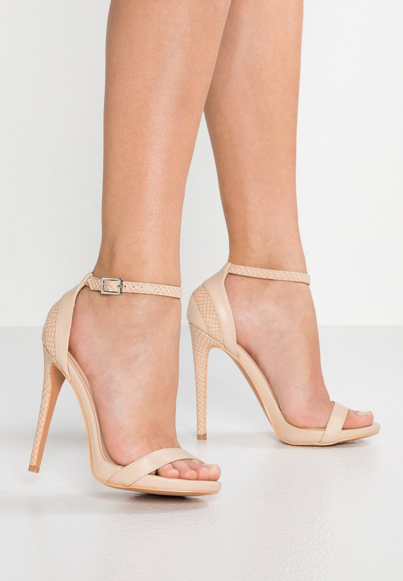 Lost Ink - RAE STILETTO BARLEY THERE - Sandales à talons hauts - nude