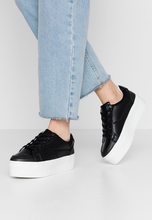 FLATFORM LACE UP TRAINER - Sneakers - black