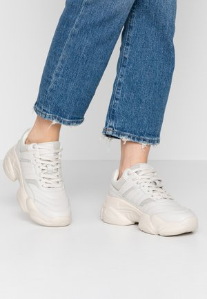 TONAL CHUNKY TRAINER - Zapatillas - cream