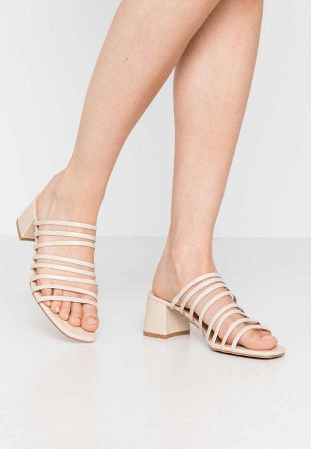 MULTI STRAP MULE  - Pantofle na podpatku - cream