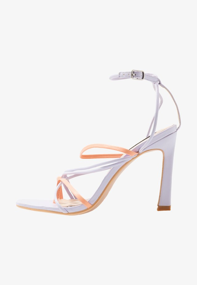 STRAPPY MIXED COLOUR - Sandály na vysokém podpatku - lilac