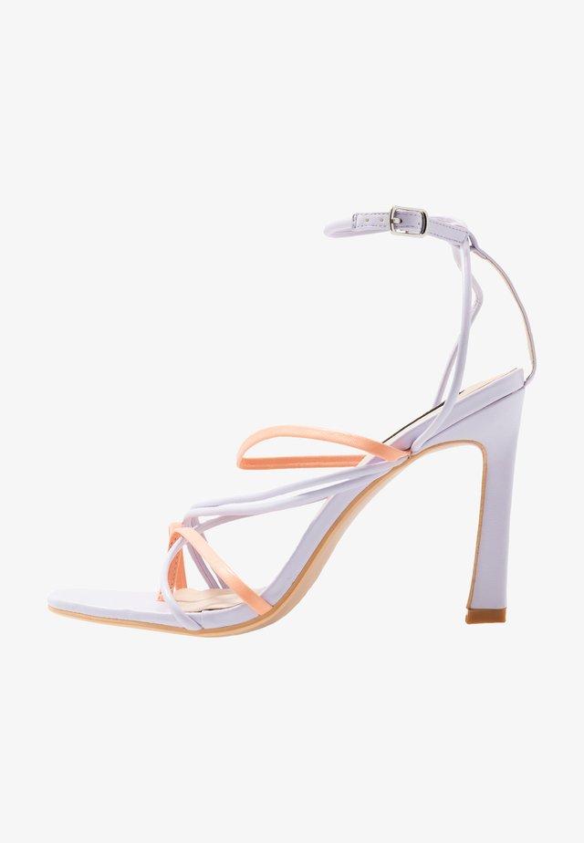 STRAPPY MIXED COLOUR - Sandalen met hoge hak - lilac