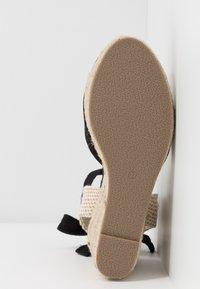 Lost Ink - ANKLE WRAP WEDGE  - Sandály na vysokém podpatku - black - 6