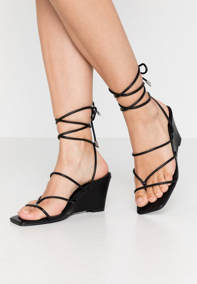STRAPPY WEDGE - T-bar sandals - black