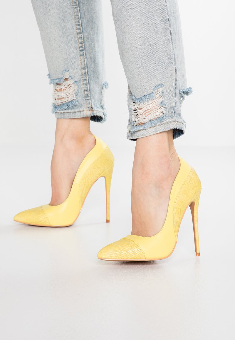 Lost Ink - CHARLY COURT SHOE - High Heel Pumps - yellow