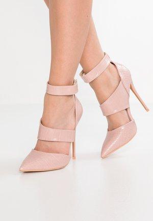CLAUDIE  WIDE STRAP COURT - High heels - blush