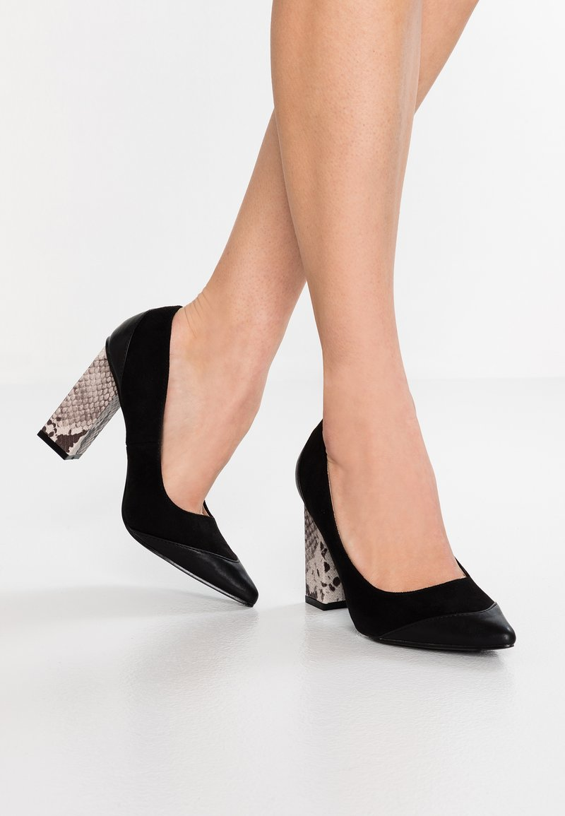 Lost Ink - CONNIE FEATURE COURT - High Heel Pumps - black