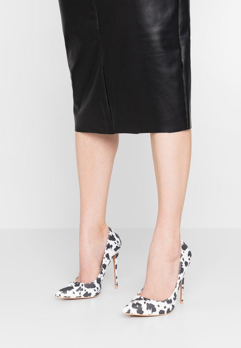 Lost Ink - CARA PRINT COURT SHOE - High heels - mono
