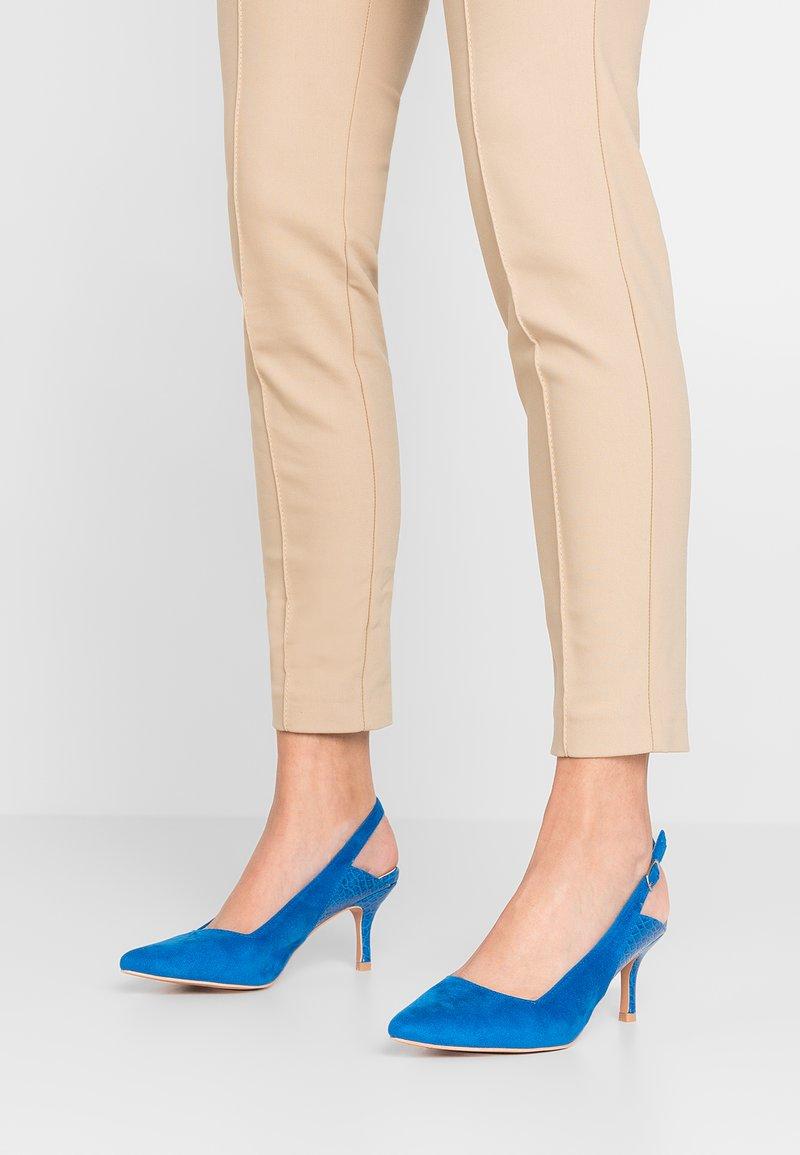 Lost Ink - CASSIDY SLINGBACK KITTEN HEEL SHOE - Classic heels - cobalt blue