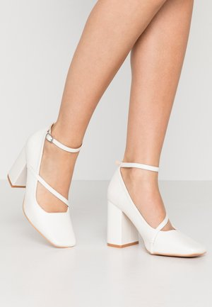 CROSS STRAP BLOCK SHOE - High heels - white