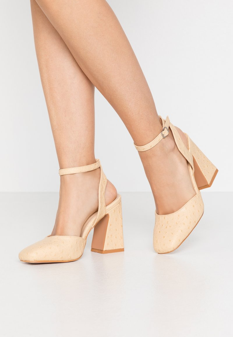 Lost Ink - SQUARE TOE ANKLE STRAP SHOE - Escarpins à talons hauts - cream