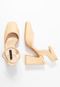 Lost Ink - SQUARE TOE ANKLE STRAP SHOE - Escarpins à talons hauts - cream - 3