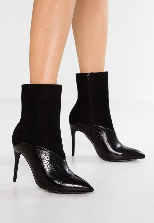 STILETTO BOOT - Botki na obcasie - black